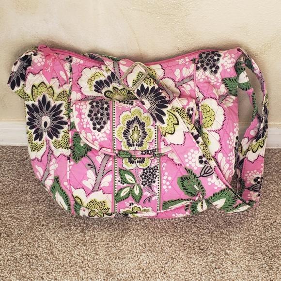 Vera Bradley Handbags - 🌿Vera Bradley Pink/Green Floral Bag🌿